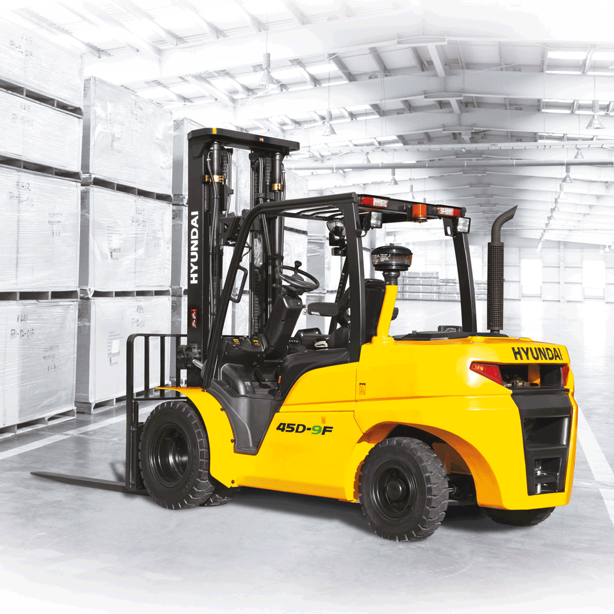 Hyundai 45d-9f forklift grey background left side view